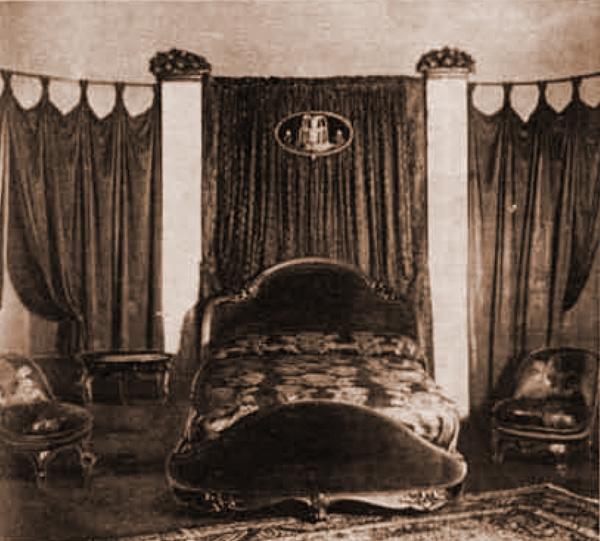 Gli arredi valabrega la mostra valabrega all esposizione for Mobili antichi modernizzati